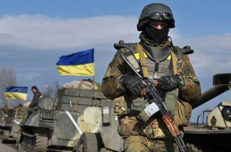 Троє українських військових дістали поранення внаслідок обстрілів бойовиків на Донбасі