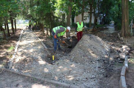 В Інгульському районі тривають  ремонтні роботи доріг і тротуарів