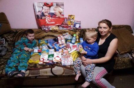 Українки з Чикаго передали пакунки з допомогою для близько 20 родин в Україні