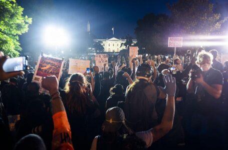 Масові протести в США: комендантська година у Вашингтоні та Трамп у бункері