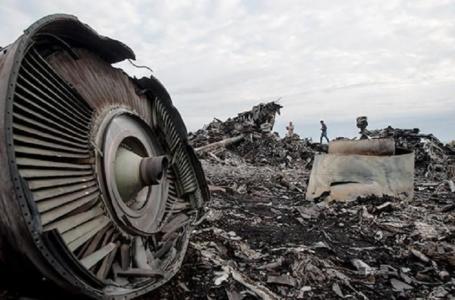 У тілах жертв збитого Boeing MH17 знайшли фрагменти російського «Бука»