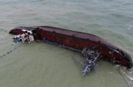 АМПУ визначилася з куратором підйому танкера Delfi