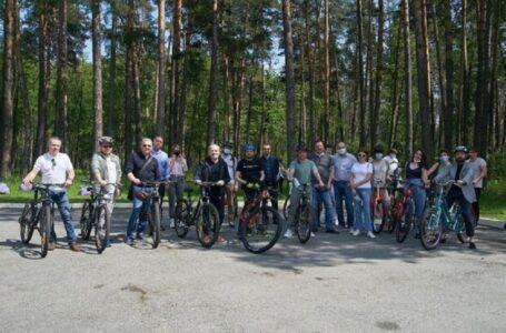 Велосипедна прогулянка президента з журналістами коштувала понад 40 тисяч гривень