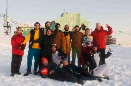 Українські полярники зіграли у футбол в Антарктиді