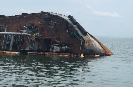 Рівень забруднення поряд з танкером Delfi перевищено в п'ять разів