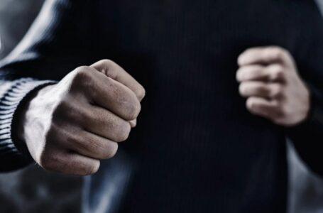 """Депутат від """"Батьківщини"""" вдарив жінку"""