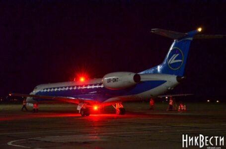 На миколаївському летовищі зустріли перший за 13 років рейс з Києва