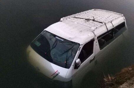 Біля пірамід в Єгипті автобус впав у канал, вісім людей загинули