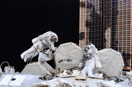 Команда першої в історії місії SpaceX зробила фото Землі