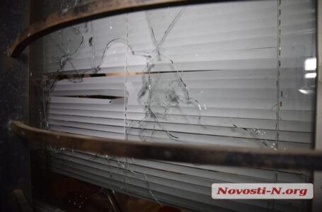 У Миколаєві вночі невідомі розстріляли відомий магазин