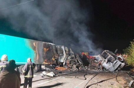 На Миколаївщині зіткнулися дві вантажівки: дві людини загинули