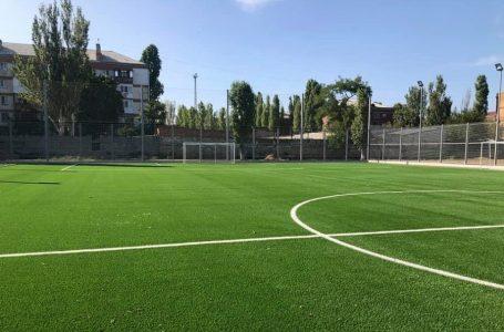 У дитячо-юнацькій спортшколі № 3 оновили футбольне поле