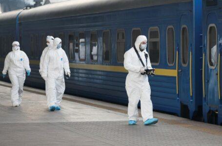 Червона зона карантину: Укрзалізниця припиняє брати пасажирів у Тернополі