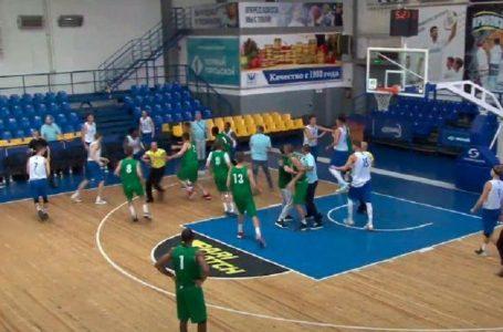 Матч двох клубів української Суперліги завершився бійкою