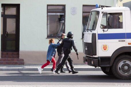 У Білорусі знову затримують протестувальників