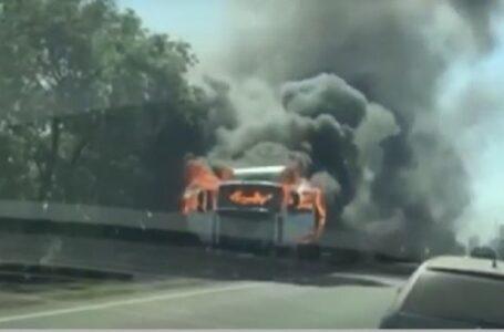 На трасі «Миколаїв-Одеса» спалахнула фура – ускладнений рух транспорту