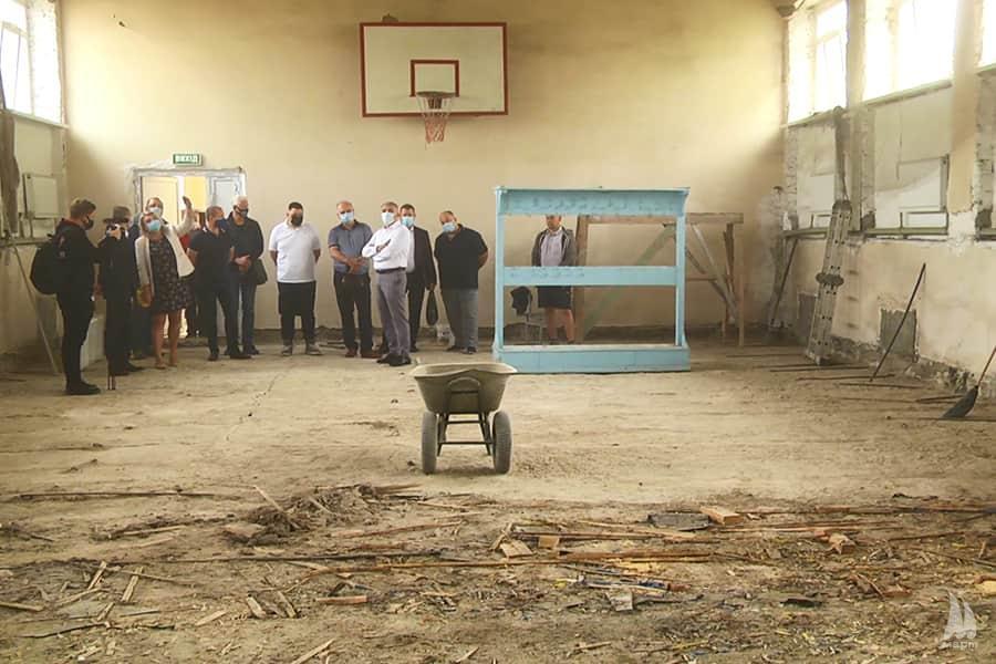 У Миколаївській ЗОШ №  32 розпочали реконструкцію спортзалу
