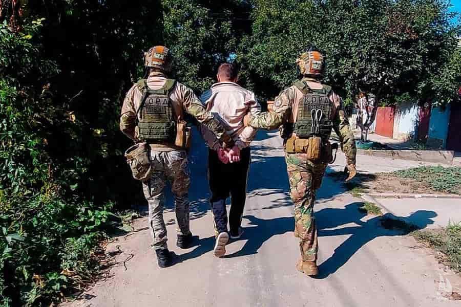 Крадіїв елітних автомобілів затримали миколаївські правоохоронці