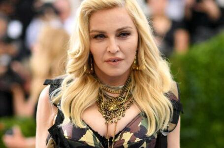 Відома співачка Мадонна вирішила зняти фільм про своє життя
