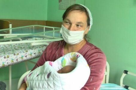 У Хмельницькому жінка народила 16-ту дитину
