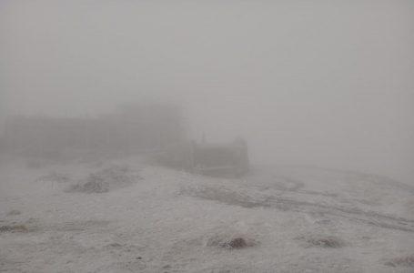 У Карпатах на свято Покрови випав сніг