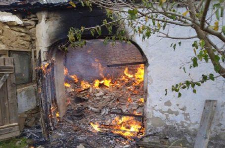Миколаївські рятувальники гасили  пожежі на території приватних житлових будинків