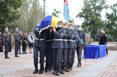 У Миколаєві попрощалися з курсантами, які загинули в катастрофі АН-26