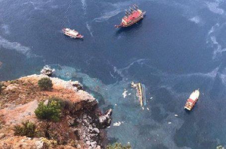 У Туреччині перекинувся і затонув катер з туристами
