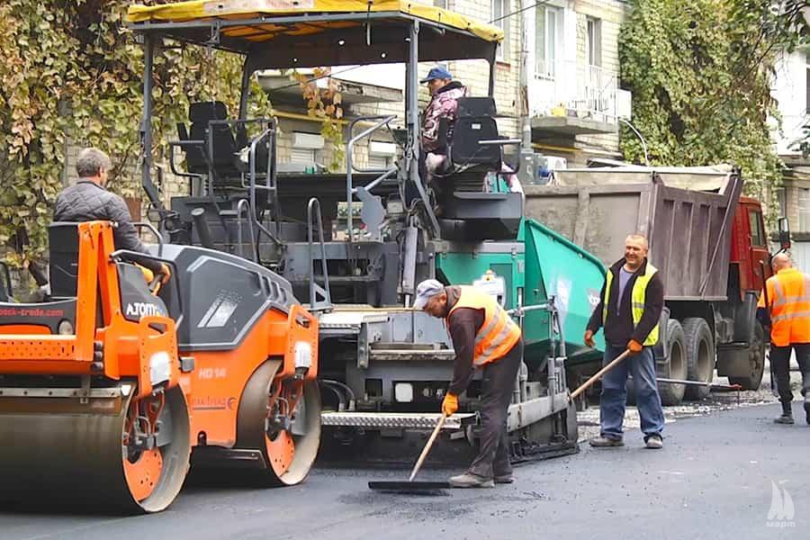 У Центральному районі закінчують ремонт двору по вул. Адміральській