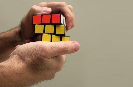 Переможець світового чемпіонату зібрав Кубик Рубіка менше як за шість секунд